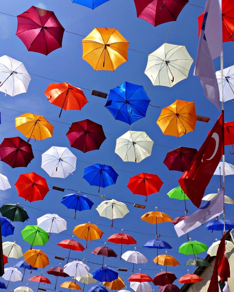 Antalya, Regenschirmstraße nahe der Altstadt