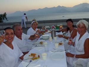 White Dinner, Stimmung, Antalya