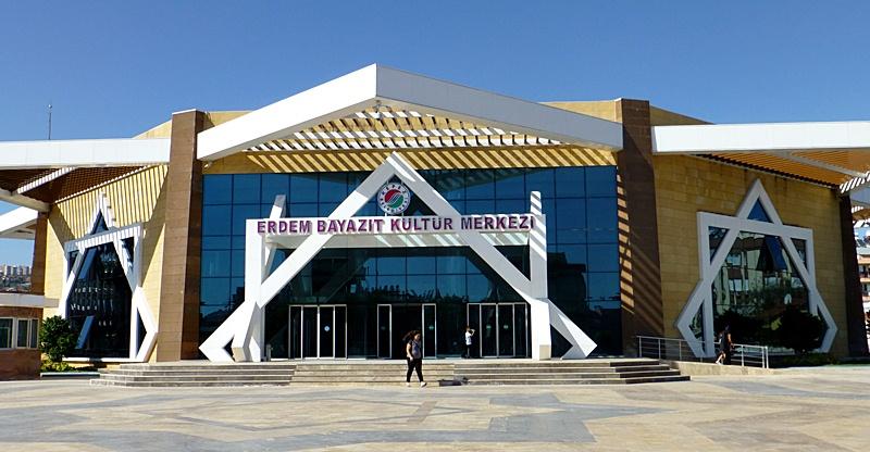 Antalya Kulturhaus Erdem Bayazıt Kültür Merkezi